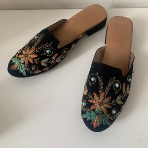 Embroidered Bead Gold Slide loafers
